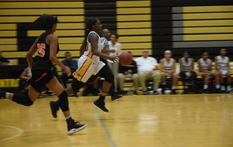 Girls basketball team extends winning streak