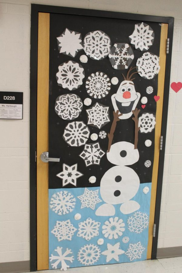 "Hawks celebrate the season with ""Holidoor"" contest"
