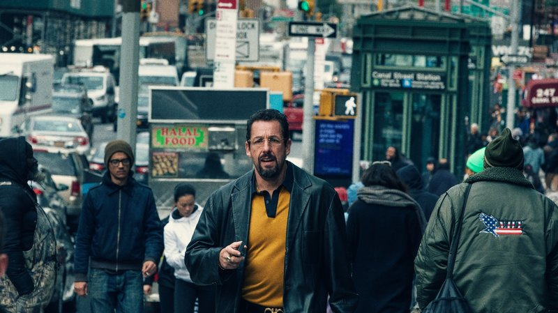 Adam+Sandler+walks+the+streets+of+New+York+in+the+Safdie+brothers%27+latest+frenzied+masterpiece%2C+%22Uncut+Gems.%22